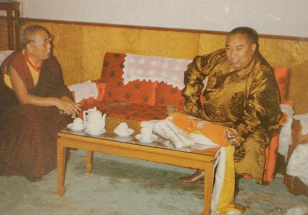 พระพันเชนลามะ และองค์ดาไล ลามะ